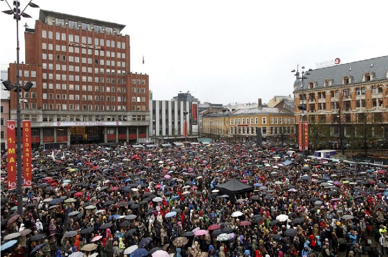 Tens Of Thousands Take To Norway's Streets, Sing A Song Anders Behring Breivik Hates