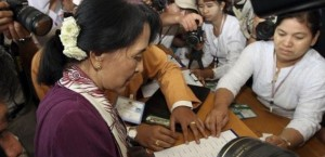 Burma's Suu Kyi Takes Office