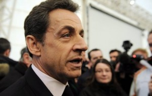 French presidential campaign ends with Sarkozy trailing