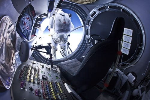 Red Bull Stratos Daredevil Felix Baumgartner's 1110 kmh free fall from Earth's stratosphere resumes launch plan after delays1