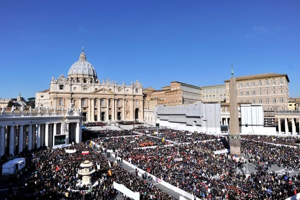 Pope Addresses Thousands In Final General Audience