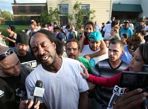 Cleveland 'hero' Charles Ramsey gets free burgers for life