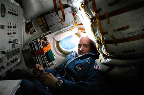 Scott and Mark Kelly discuss year long NASA space mission