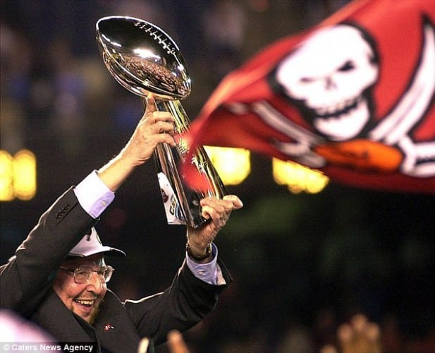 Malcolm Glazer owner of Buccaneers Manchester United dies at 85