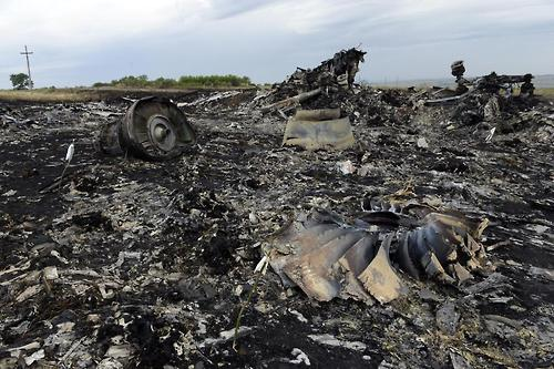 UN Shooting down of MH17 may be 'war crime'