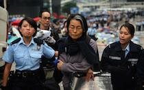 Hong Kong police warn remaining protesters to leave or face arrest