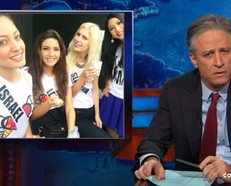 Jon Stewart Reacts To Miss Universes Photobombing Selfie Controversy VIDEO