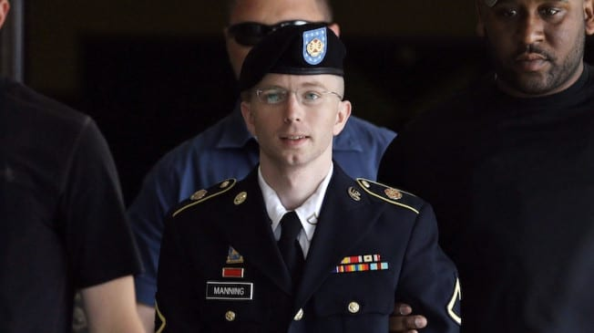 Military approves hormone therapy for Chelsea Manning VIDEO