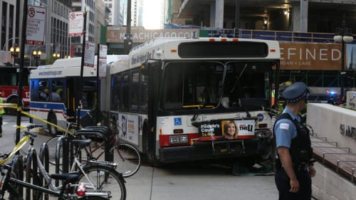 1 dead 8 injured in bus crash in downtown Chicago