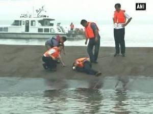 Chinese ship sinks hundreds feared dead
