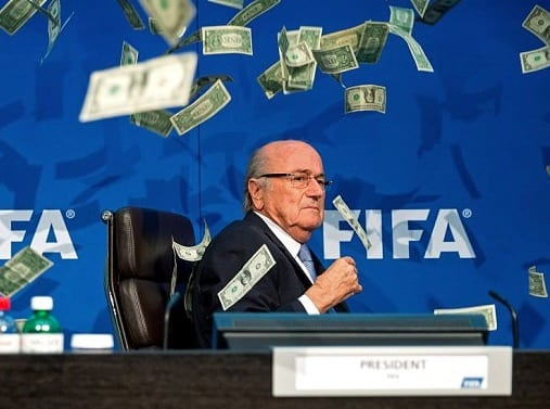 Moment banknotes were thrown at Sepp Blatter VIDEO