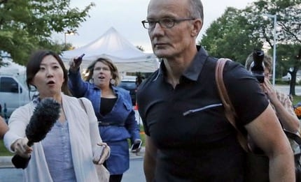 Dentist who killed Cecil the lion returns to work