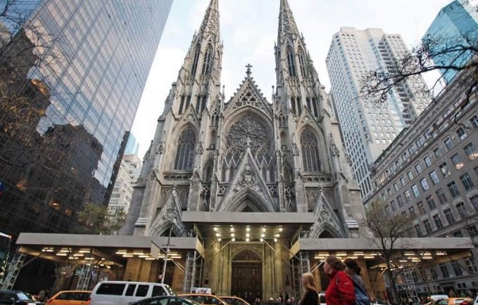 Pope In NY Crowds Await Popes Arrival At St. Patrickss Cathedral