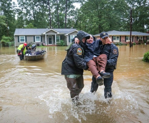 12 Dead In Terrific SC Flooding Obama Declares Disaster VIDEO