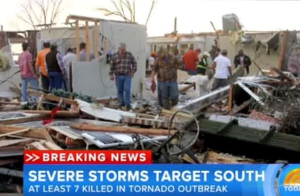 7 Killed in Severe Storms Across U.S. VIDEO 1