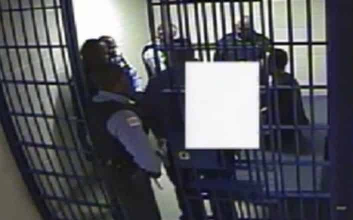 Chicago Cops Stunned Dragged Suspect VIDEO