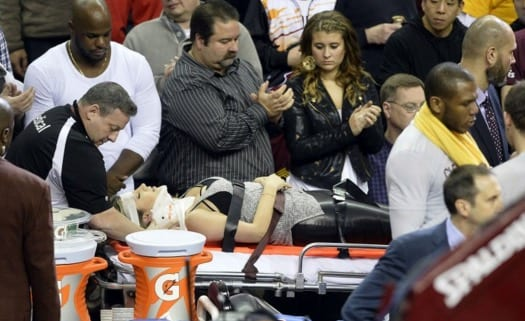 Pro Golfer Jason Day's Wife Injured in LeBron Fall VIDEO