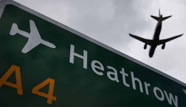 Drone Hits Plane at Heathrow VIDEO