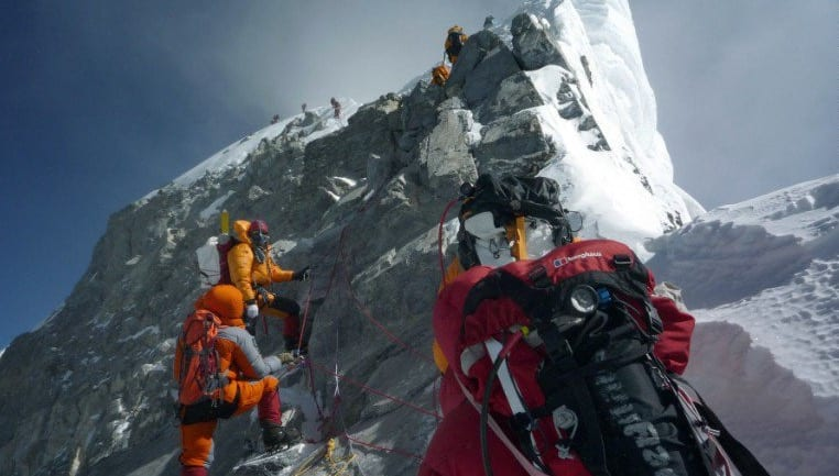 4 climbers die in 4 days on Mount Everest VIDEO 1