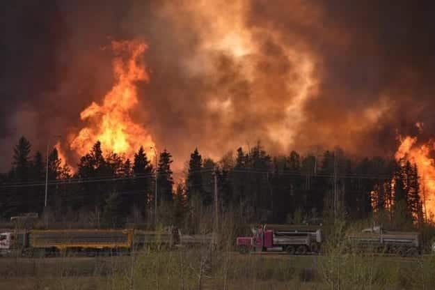 Canadian Wildfire Forces 80K to Evacuate VIDEO