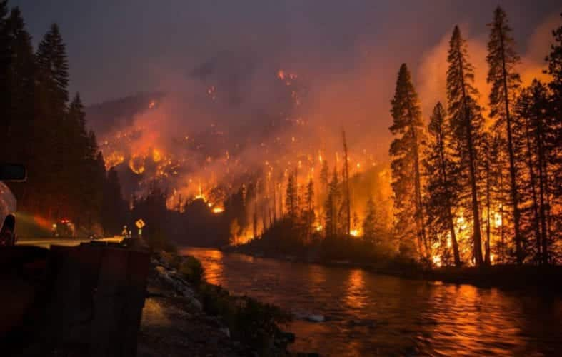3 Resorts Reported Destroyed by Tennessee Wildfires