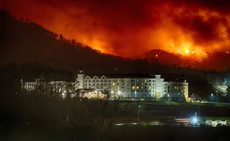 At Least 3 Dead In Tennessee Wildfires VIDEO