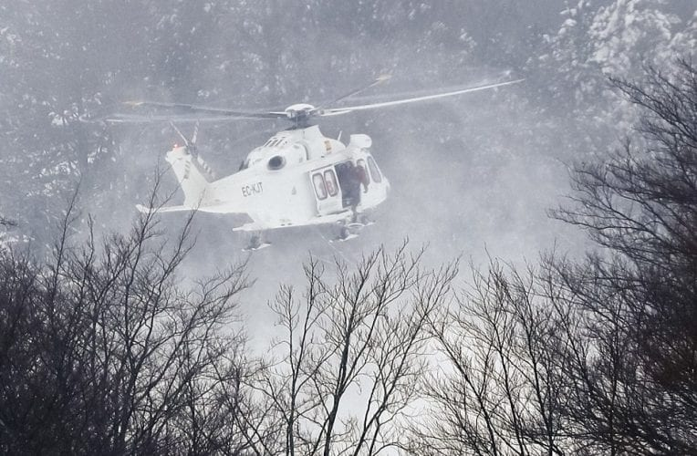 8 FoundAlive In Italian Hotel Hit By Avalanche VIDEO