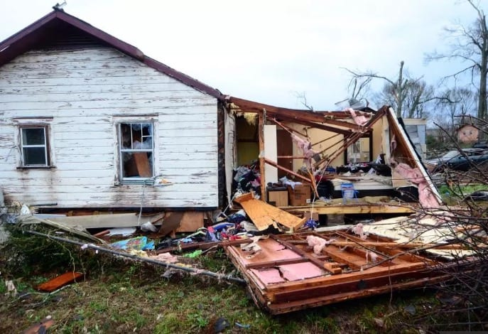 Report18 Dead in Southern Storms Tornadoes