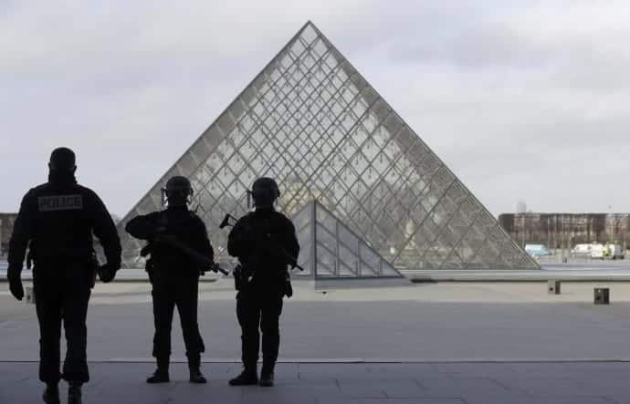 French Soldier Kills Machete Wielding Attacker At The Louvre