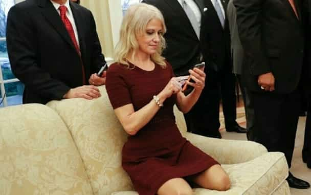 Kellyanne Conway Kneels On Oval Office Couch, Twitter Freaks - 🌤 LNC - Live News Stream & Chat