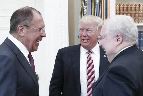 Trump Let Only Russian Photographers In Meeting With Russians